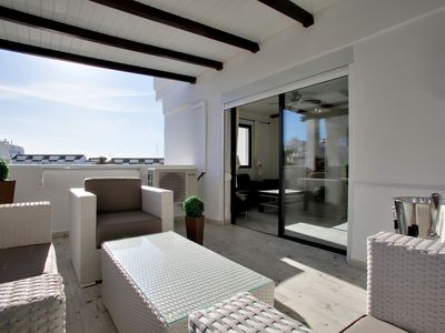 Photo for 80m2 apartment: terrace + pool + internet