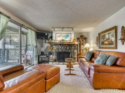 Photo for Mountainside condo within walking distance to ski lodge w/covered deck