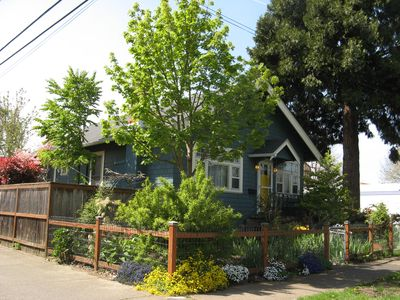 Photo for Location! Location! Location! Easy access to everything Eugene, arts to outdoors