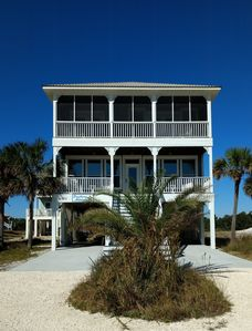 Photo for 3 King Beds/2 Bunk Beds; Rental Includes Chairs, Umbrellas, Beach Necessities