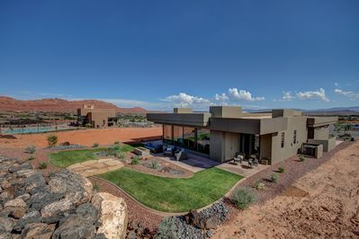 Luxury at the gateway to Snow Canyon Park. Relax, come for adventure, refresh!