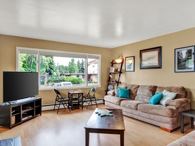Photo for Downtown Delish 3BD2BA King Bed, Carport, Grill, 2 Smart TVs, Cable and More!