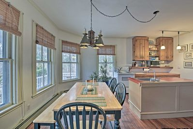 Book this 3-bedroom, 1-bath vacation rental home for your Vineyard Haven escape.