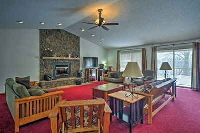You'll find a fireplace and flat-screen Smart TV in the living room.