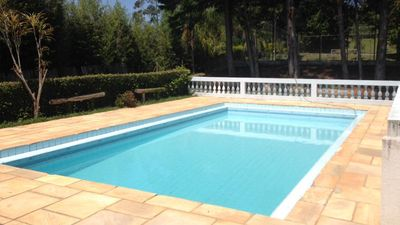 Photo for Leisure and Tranquility in Nazaré Paulista with barbecue, pool and court!