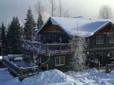 Photo for Top Floor Luxury Aspen Unit 2 BR, Lots of privacy, Breathtaking Mountain views