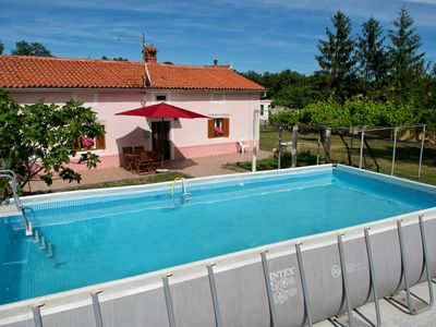 Photo for Cosy house with pool, private garden and mountain view