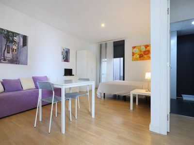 Photo for Sanchez Bajo 3 apartment in Córdoba with WiFi, integrated air conditioning & lift.