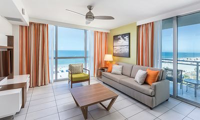 Photo for Chimera Vacations Beachside 1BR Clearwater Beach Suite + Amenities