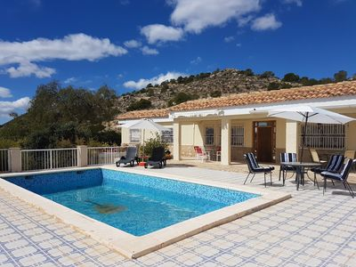 Photo for in a quiet Finca area 15 minutes from Alicante, beach and airport.