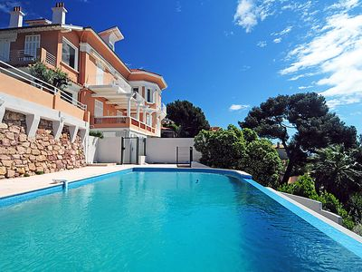 Photo for Apartment Les Cystes in Hyères - 6 persons, 3 bedrooms