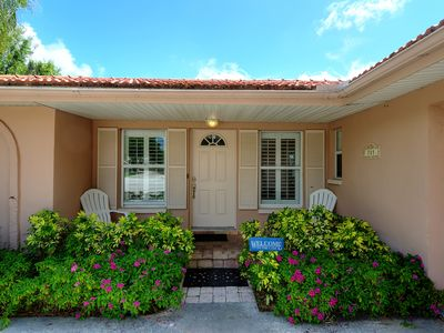 Waterfront, Stay 7 Nights & SAVE 10%, Heated Pool, Close to Beach, Pets OK