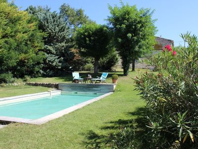 Photo for At the gates of Luberon, pleasant house with open views of the countryside