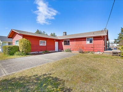 Photo for NEW: Cozy, Comfy & Spacious Home in Westport