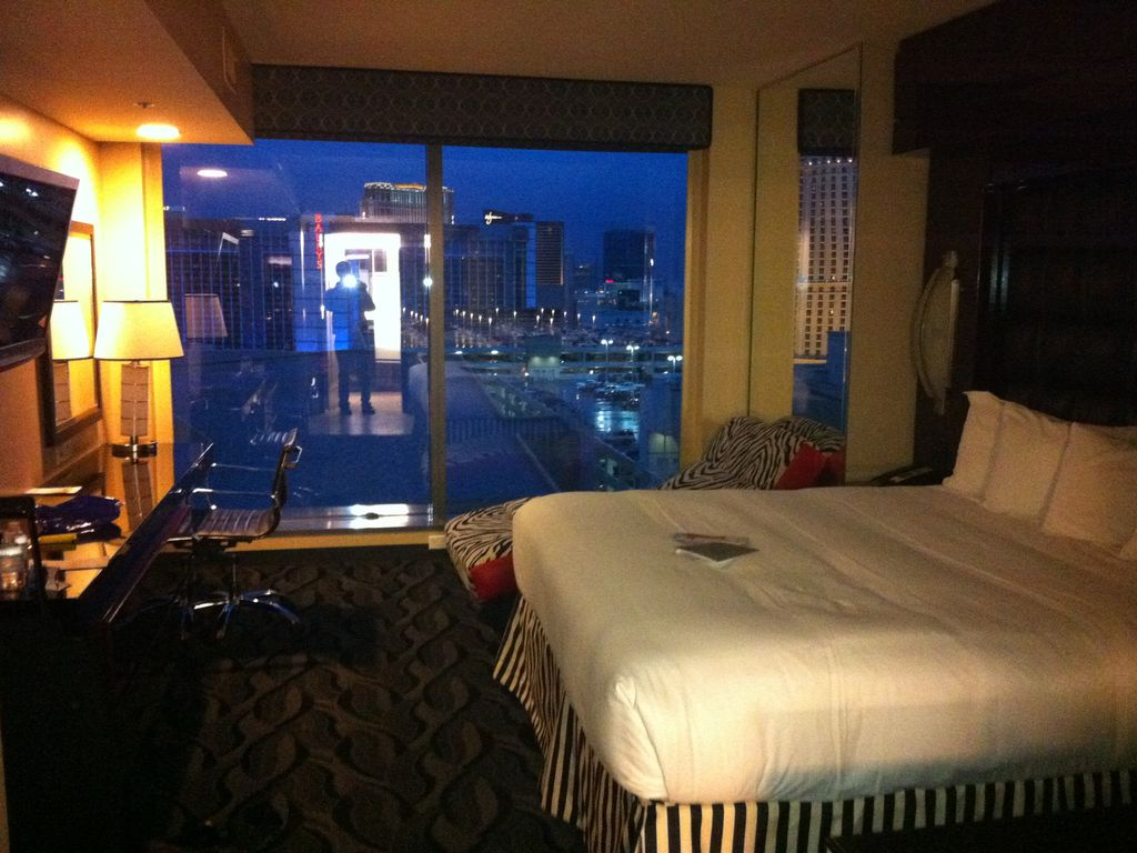 luxurious 2 bedroom suite on the strip las vegas nevada