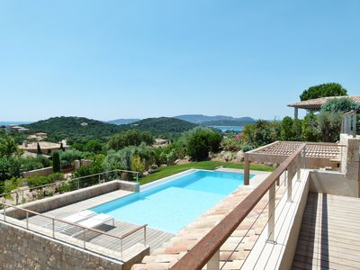 Photo for Superb contemporary villa, pool and sea views