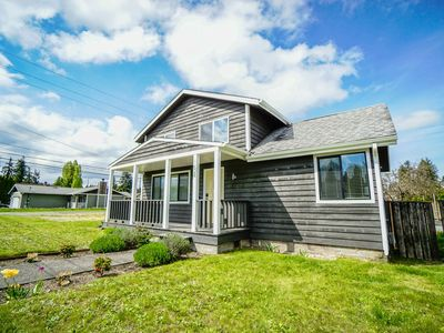 Photo for Central Tacoma! Large remodeled home!  Close To UPS, 6th Ave, and Proctor area