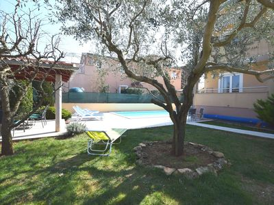 Photo for Comfortable apartment near Pula with shared swimming pool in a quiet location