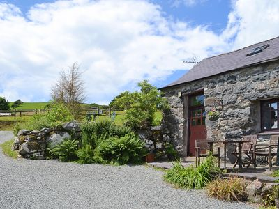 Photo for 1 bedroom accommodation in near Criccieth