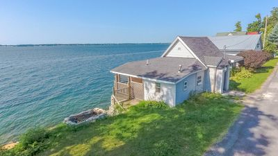Photo for Beautifully Renovated 4 bed, 1 bath Cottage on Pillar Point