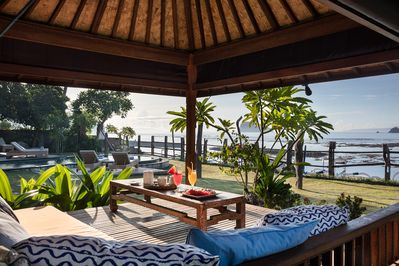 Enjoy a sundowner in the bale benong or relax quietly with a book