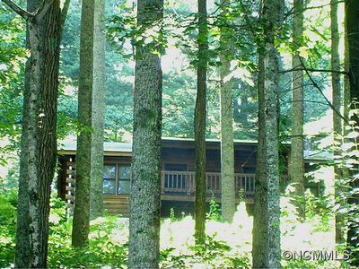 Photo for Secluded Mountain Cabin In Apple-Picking Country