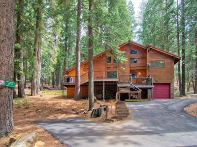 Photo for Yosemite Crossroads is a large three level mountain chalet with 3 bedrooms, and 2 bathrooms