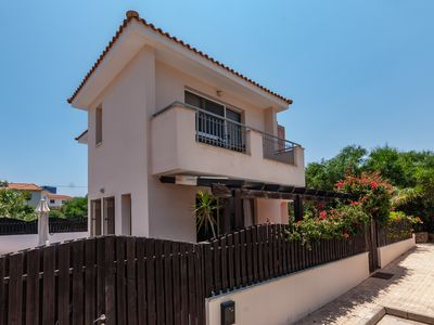 Photo for Detached Villa, Private Pool, Large Corner Plot, & WiFi!!
