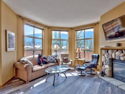 Photo for 4 bedroom corner unit with view of Mount Morrisey