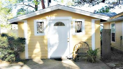 Photo for Charming Cottage Near Beach And Downtown Dunedin