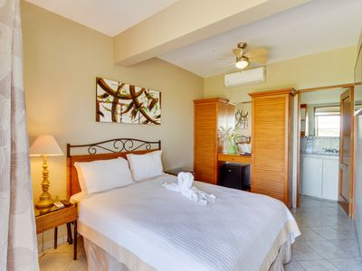 Photo for Suite with shared pool, ocean views from balcony, on-site restaurant