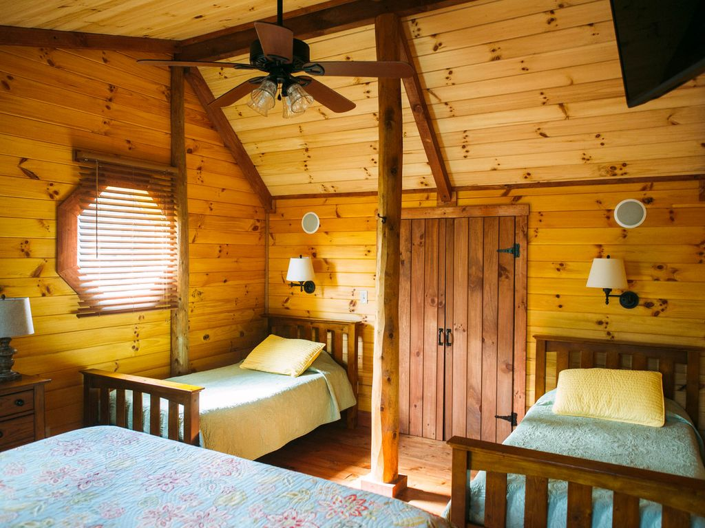 Cozy luxury cabin with hot tub wifi and wood burning for Shenandoah valley romantic cabins