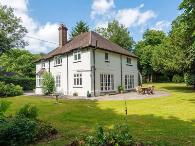 Photo for Beautiful large detached family home, pet friendly