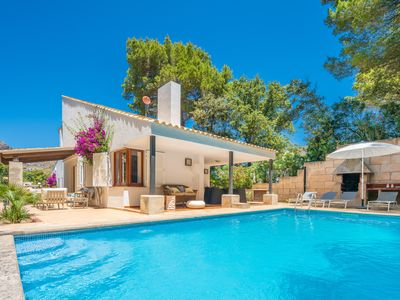 Photo for Villa with private pool 450 meters from the beach