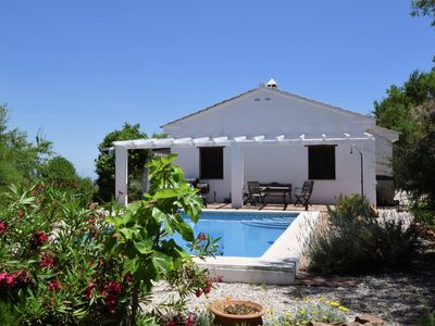 Photo for Well located holidayhome with private pool, privacy and Wifi