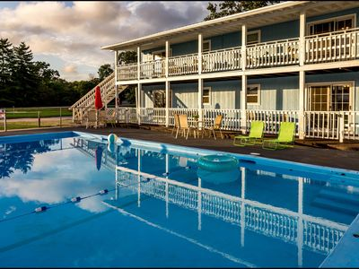 Photo for 2nd Flr OVERLOOKING SALTWATER POOL! Traffic free drive to Silver Dollar City