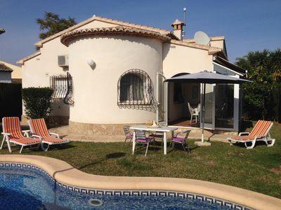 Photo for Very cozy villa with private pool, Wifi, a / c, barbecue, TV-SAT, parking