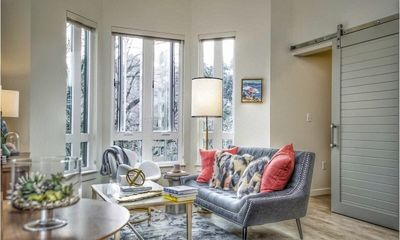 Modern 2BD in Portland's Cultural District, fast wifi