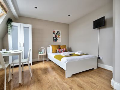 Photo for Studio 20min to Hyde Park, Willesden Green, London #ML9