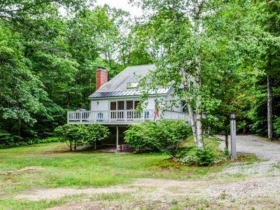 Photo for Mountainside Chalet 2 Min to Storyland! AC, WiFi, Fire Pit & Dogs Welcome!