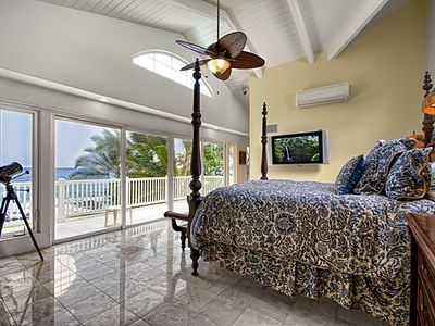 Photo for Breathtaking Oceanfront 1 bedroom Suite with Pool & Spa, Paradise!