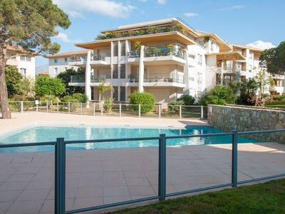 Photo for T3 of standing 80m2, terrace, swimming pool. Beach and shops 6 minutes walk