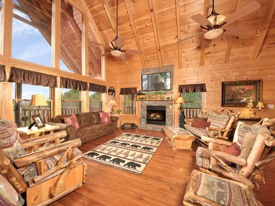 Photo for Sunsets/Views/Theater Room/Fireplaces/Min. to Attractions/Hot Tub/Pool Access