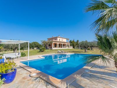 Photo for Beautiful villa for 7 people near the coast with pool.