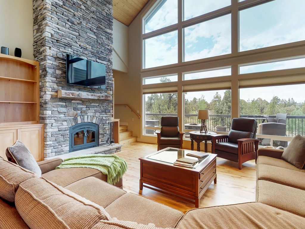Bend Mountain View Retreat - Luxurious, Spacious with Amazing Views - Bend