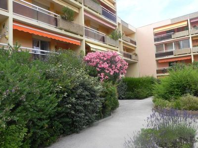 Photo for 1BR Apartment Vacation Rental in Bormes-Les-Mimosas, Provence-Alpes-Côte-D'Azur