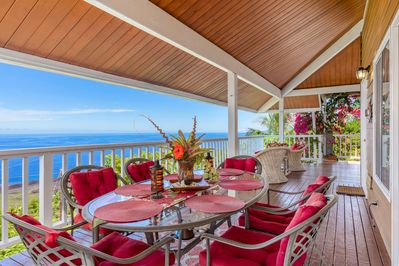Beautiful lanai with BBQ for ease of dining and fantastic sunsets.