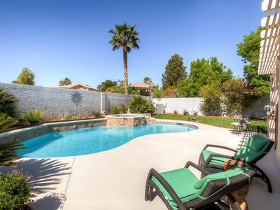 EXECUTIVE RENTAL with Pool/Spa-10 min from airport/strip, In&Out 1 mile