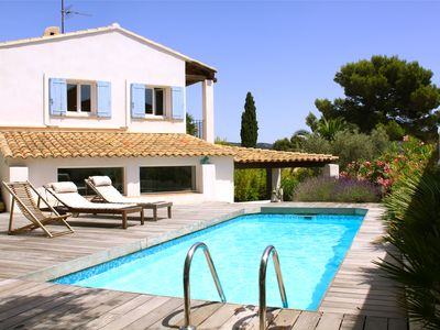 Photo for Villa in Cassis, air-conditioned, secure swimming pool, benefits comtemporaines