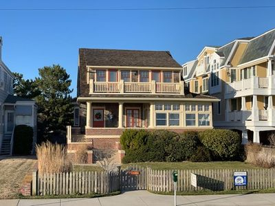 Photo for 5 bedroom, 4 bath BEACHFRONT home with ocean front decks.